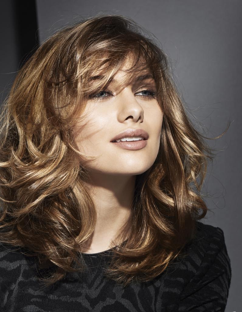 le carr ondul de camille albane coiffures de saison nos id es pour s 39 inspirer elle. Black Bedroom Furniture Sets. Home Design Ideas