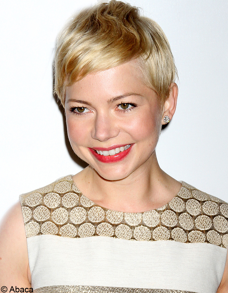 la coupe courte blonde de michelle williams ces stars. Black Bedroom Furniture Sets. Home Design Ideas