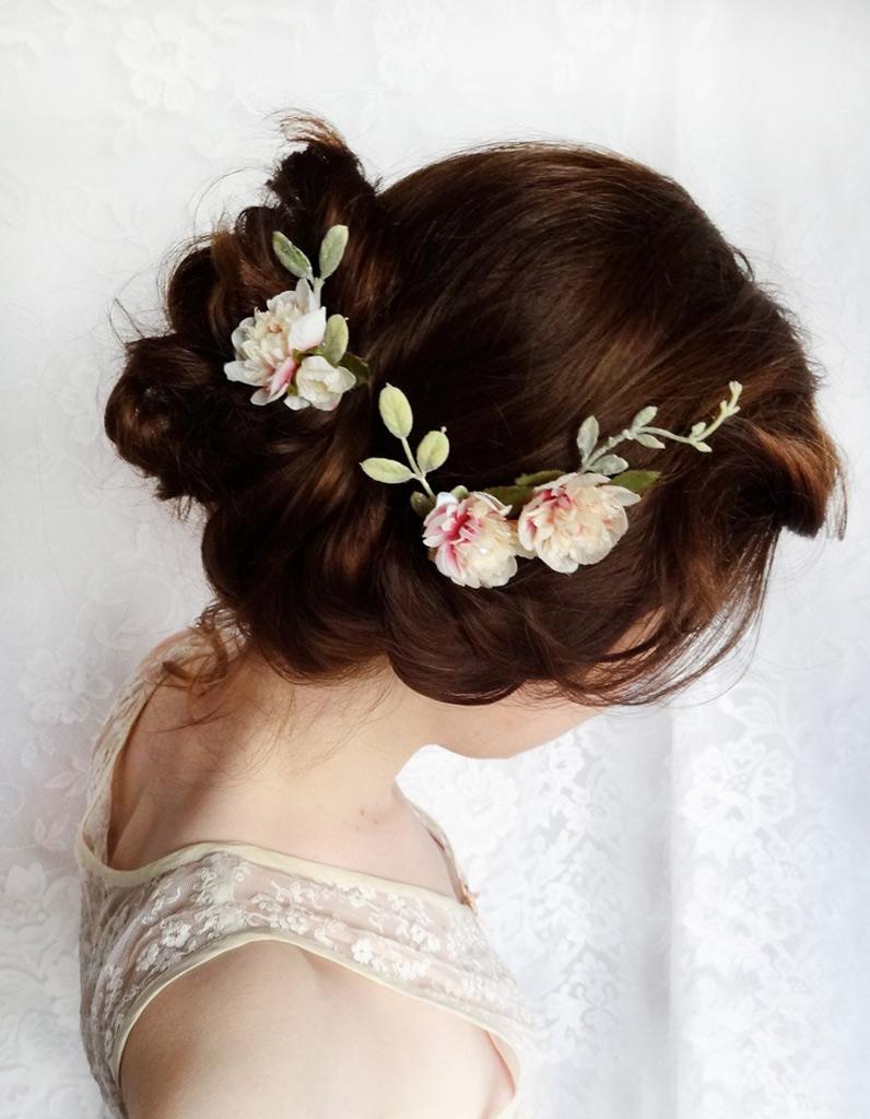 Coiffure cheveux attachés bouclés automne,hiver 2016 , Cheveux attachés   78 idées de coiffures chics ou décontractées , Elle