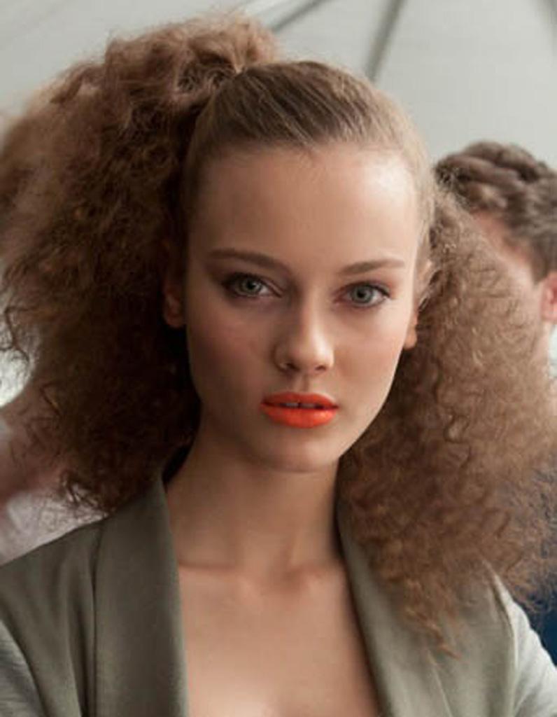 Coiffure Naturelle Cheveux Cru00e9pus - 25 Idu00e9es De Coiffures Naturelles Pour Se Sentir Belle - Elle