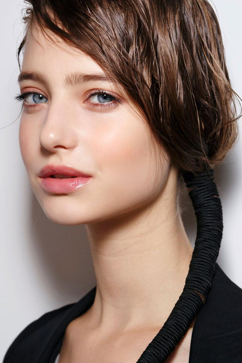 Coiffure Pour Dormir Cheveux Humides - Ces Coiffures Pour Dormir Nous Font De Beaux Cheveux Au ...