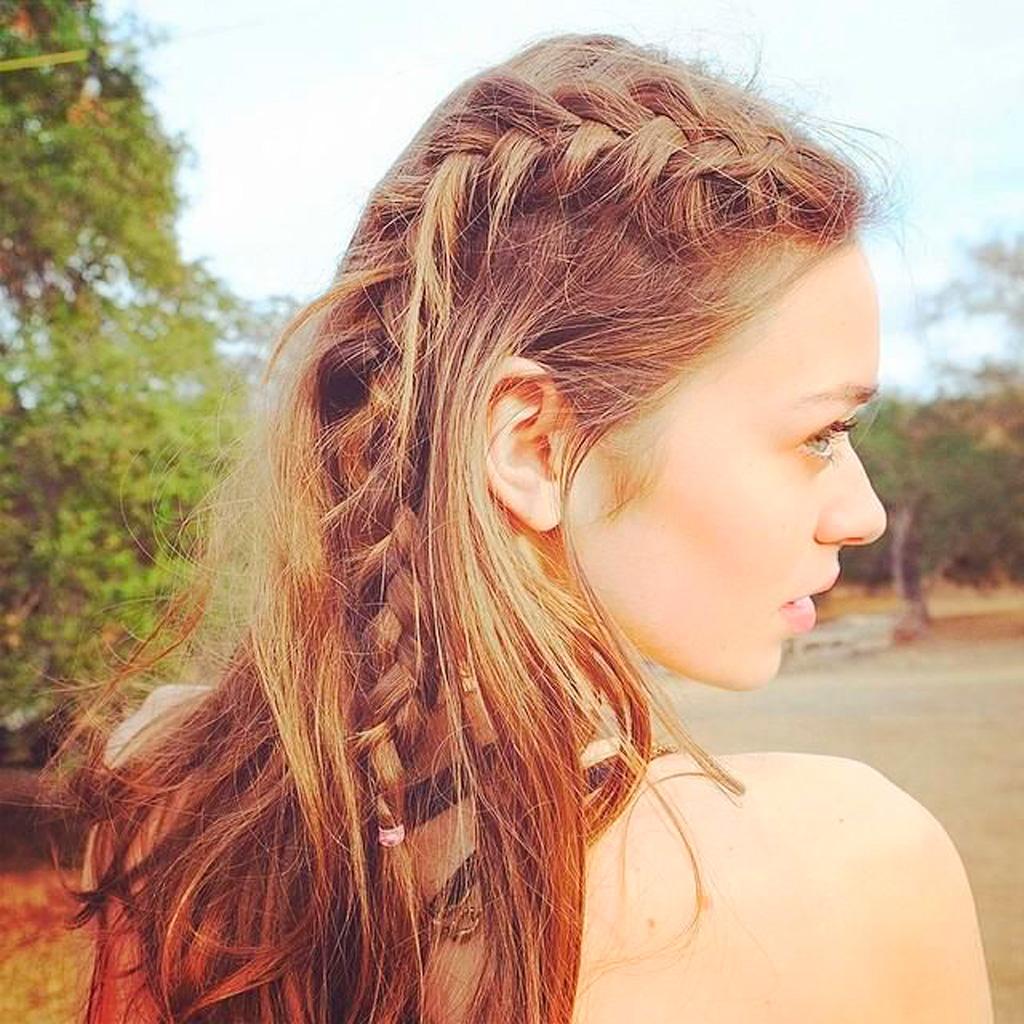 Coiffure tress e estivale 30 coiffures tress es pour passer l 39 t en beaut elle for Comcoiffure de mariage tresse