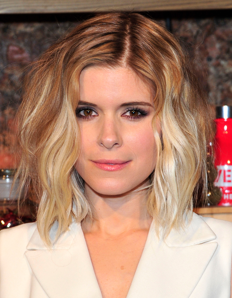 le carr flou de kate mara le carr flou nouvelle coupe pr f r e des stars elle. Black Bedroom Furniture Sets. Home Design Ideas