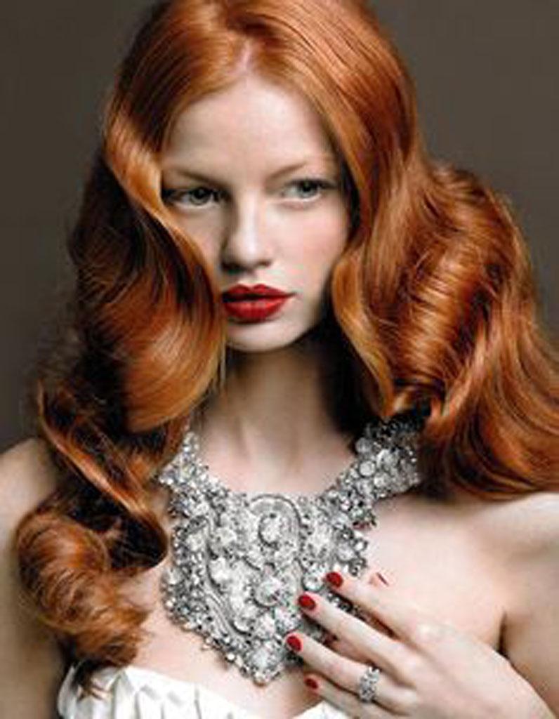 coiffure visage rond cheveux pais 40 coiffures canon pour les visages ronds elle. Black Bedroom Furniture Sets. Home Design Ideas