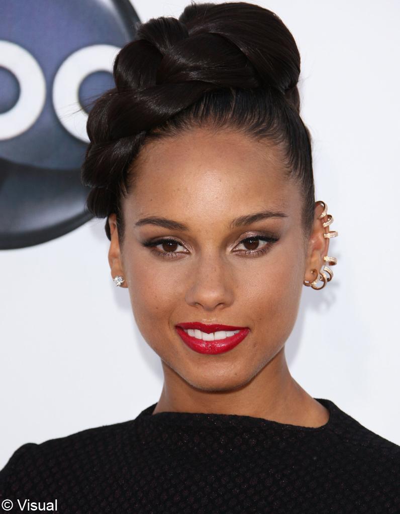 La tresse couronne d'Alicia Keys - Coiffure : on adopte ... Alicia Keys