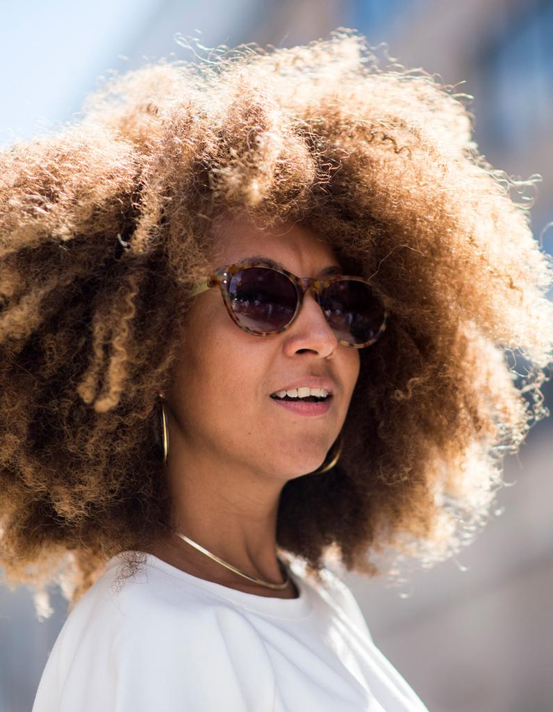 Bien connu Cheveux bouclés afro printemps-été 2017 - Cheveux bouclés  TI24