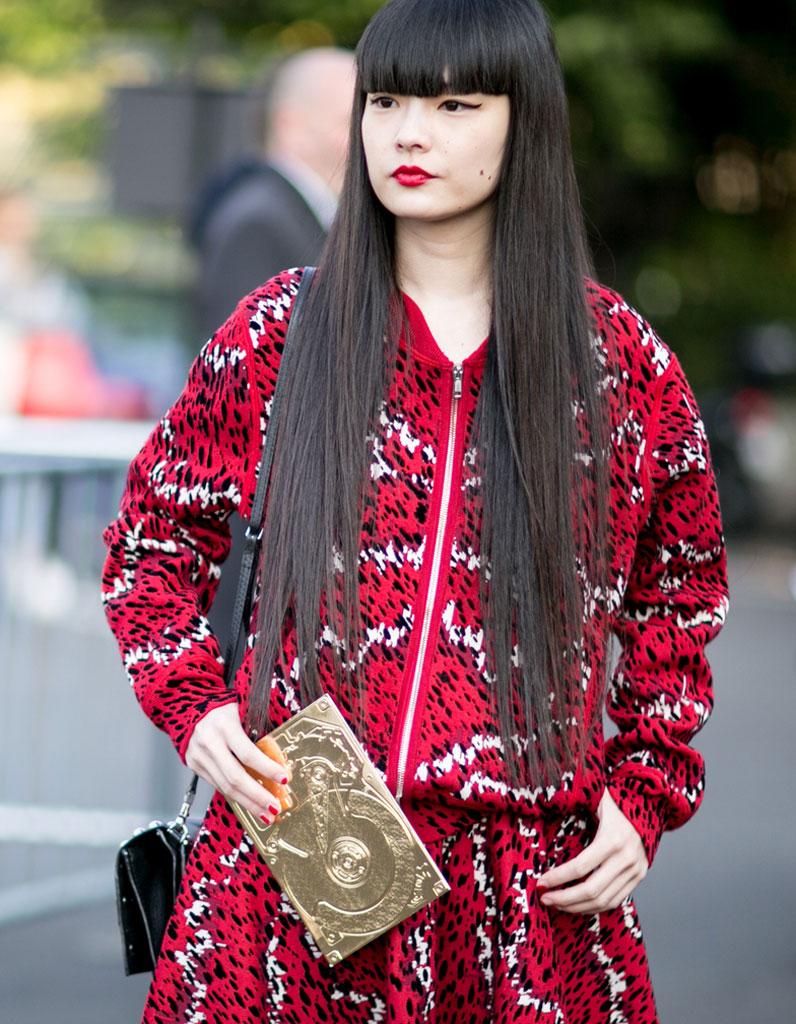 Frange droite sur cheveux tr s longs 20 fa ons de porter la frange droite avec style elle - Coupe avec frange droite ...