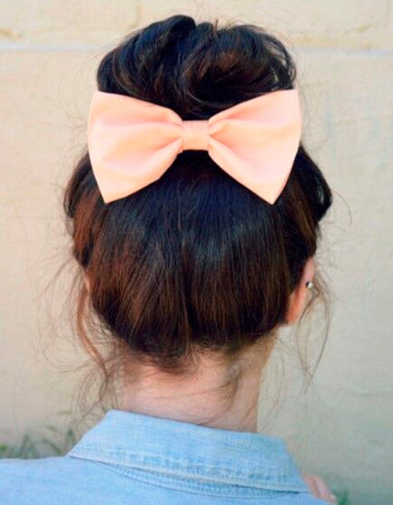 chignon bun cheveux mi longs les plus jolis chignons bun de pinterest elle. Black Bedroom Furniture Sets. Home Design Ideas