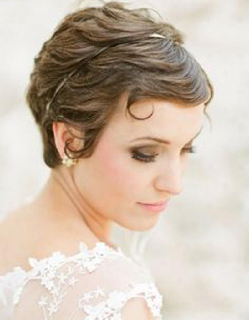 Coiffure mariée sur cheveux courts , Les plus jolies coiffures de mariée pour sinspirer , Elle