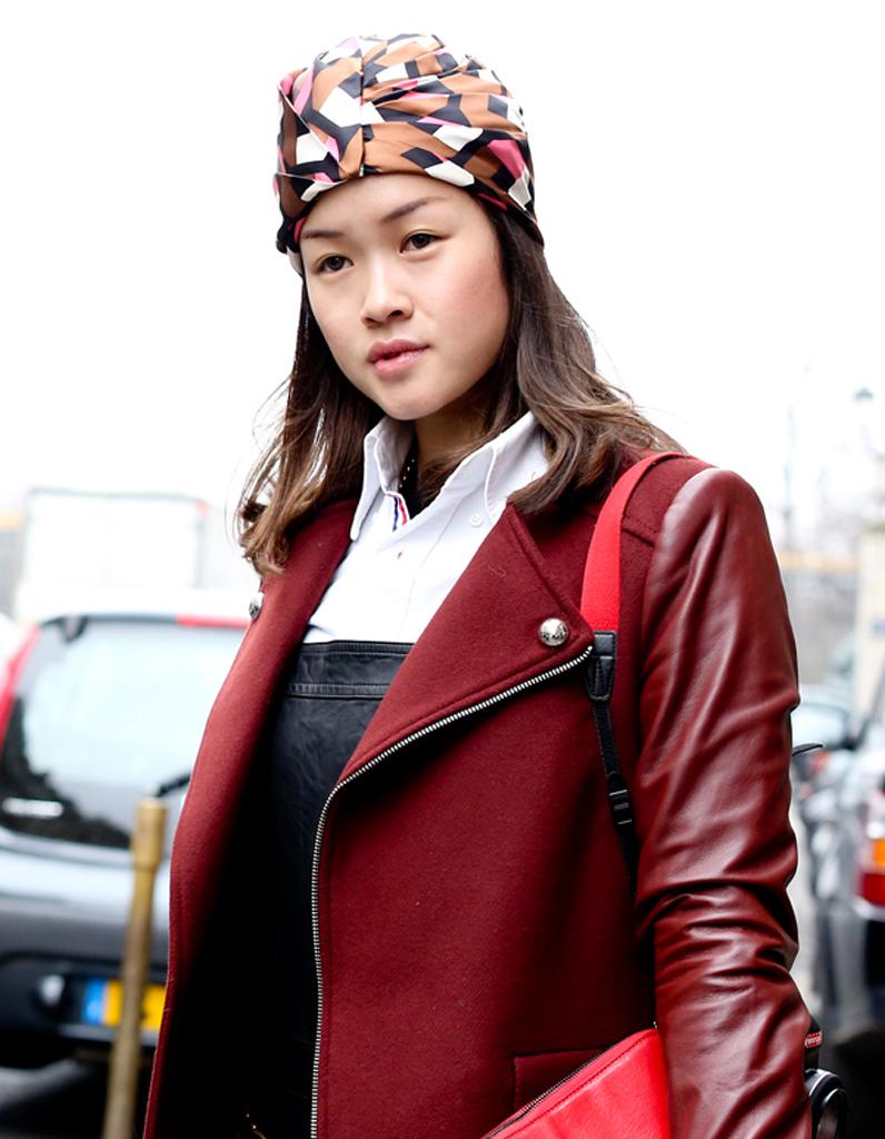Le foulard imprim graphique street style coiffure - Comment ranger les foulards ...