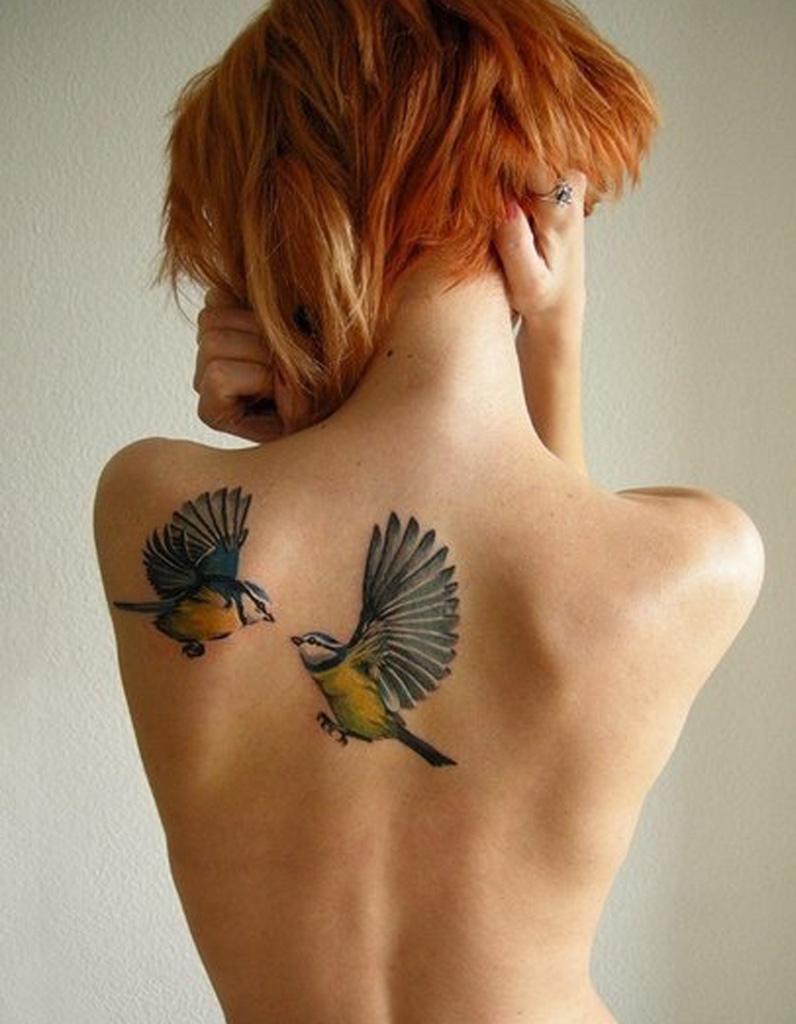 id e tatouage des colibris color s les 40 plus beaux tatouages de pinterest elle. Black Bedroom Furniture Sets. Home Design Ideas