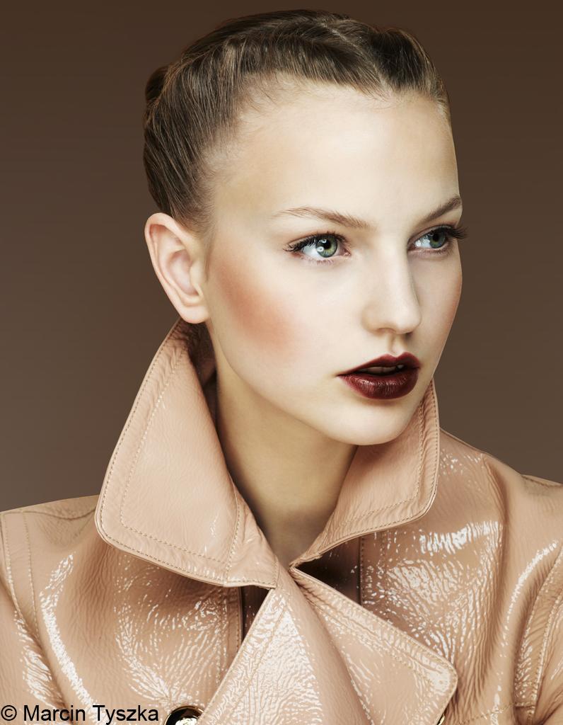 fard joues maquillage la tendance chocolat elle. Black Bedroom Furniture Sets. Home Design Ideas