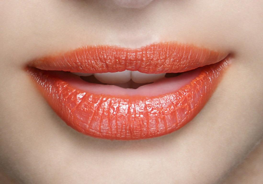 Maquillage de bouche les nouvelles fa ons de maquiller sa bouche elle - La femme a la bouche fendue ...
