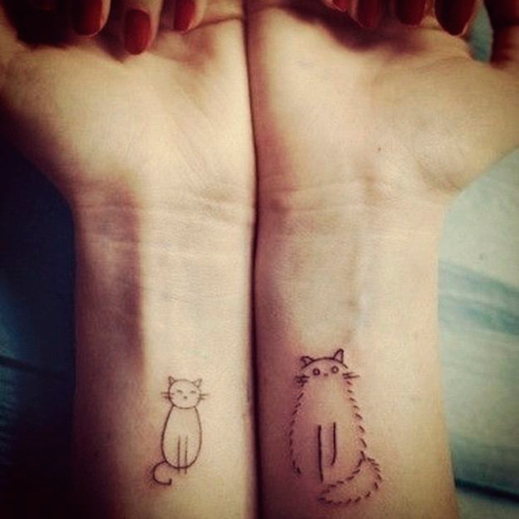 tatouage chat simple tatouage chat les 20 plus jolies inspirations pinterest elle. Black Bedroom Furniture Sets. Home Design Ideas