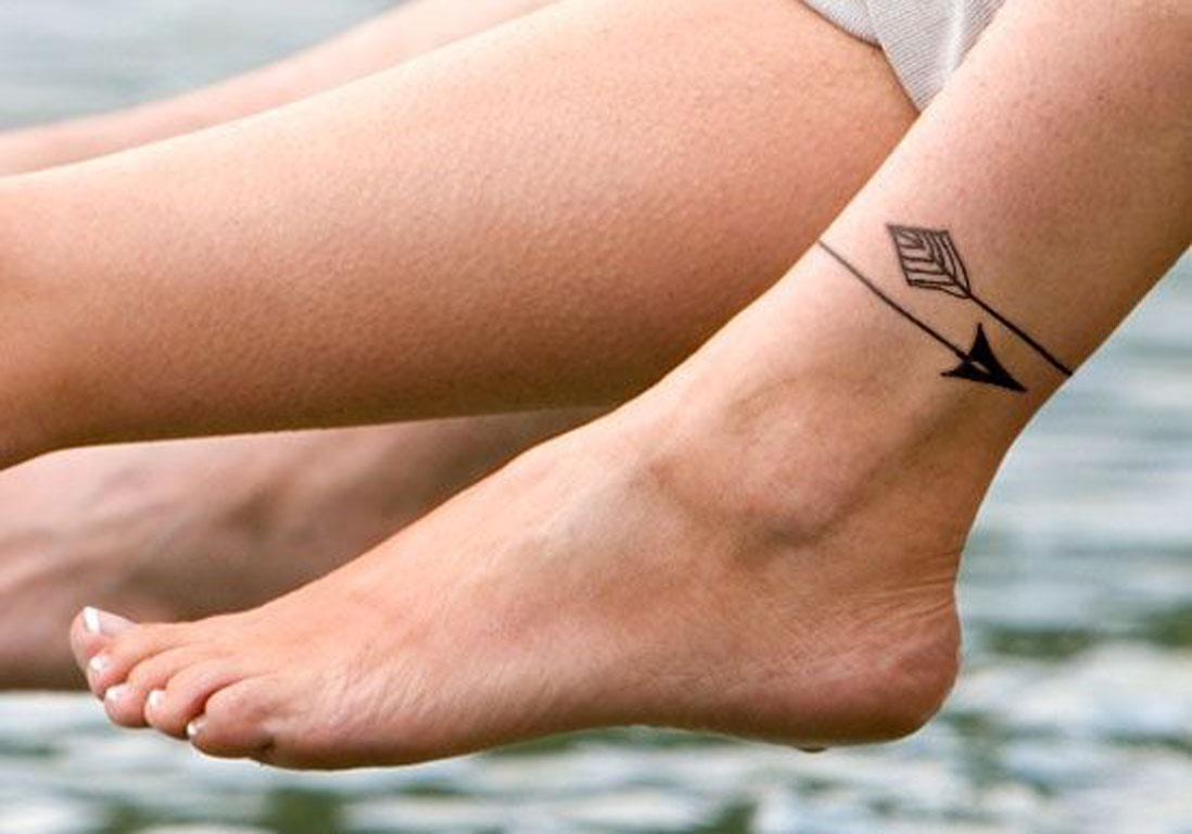 Tatouage Chevilles Femme dedans tatouage cheville flèche , 20 idées de  tatouages pour habiller nos