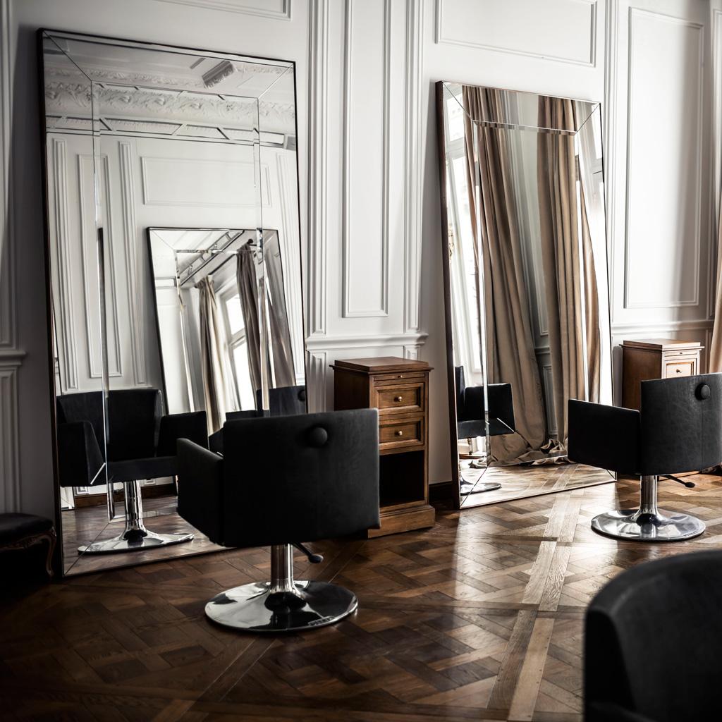 ellebeautyspot le premier salon de balmain hair couture ouvre paris elle. Black Bedroom Furniture Sets. Home Design Ideas