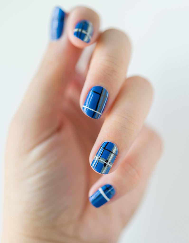 Hervorragend Tuto nail art : le tartan bleu - Elle SY36