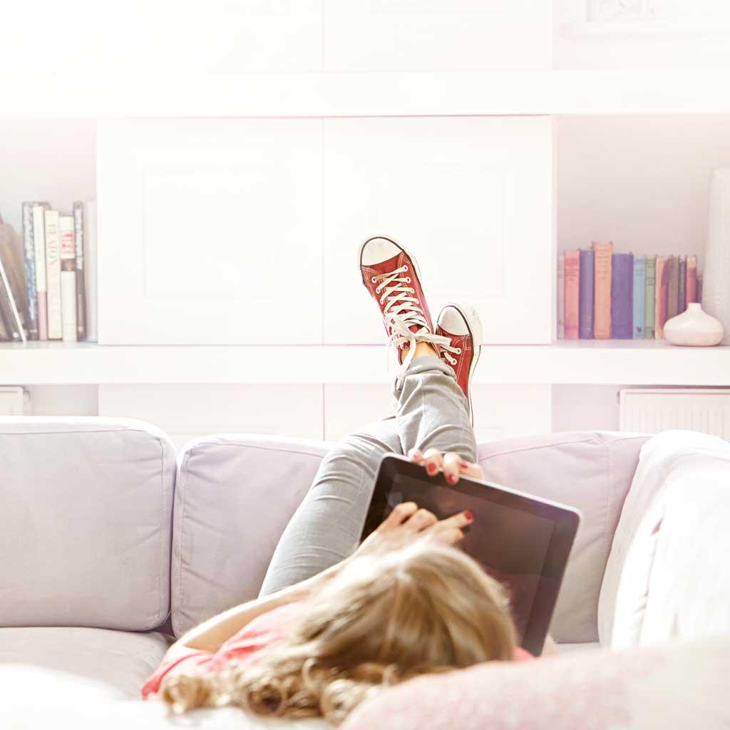 comment tre canon sans bouger de la maison elle. Black Bedroom Furniture Sets. Home Design Ideas