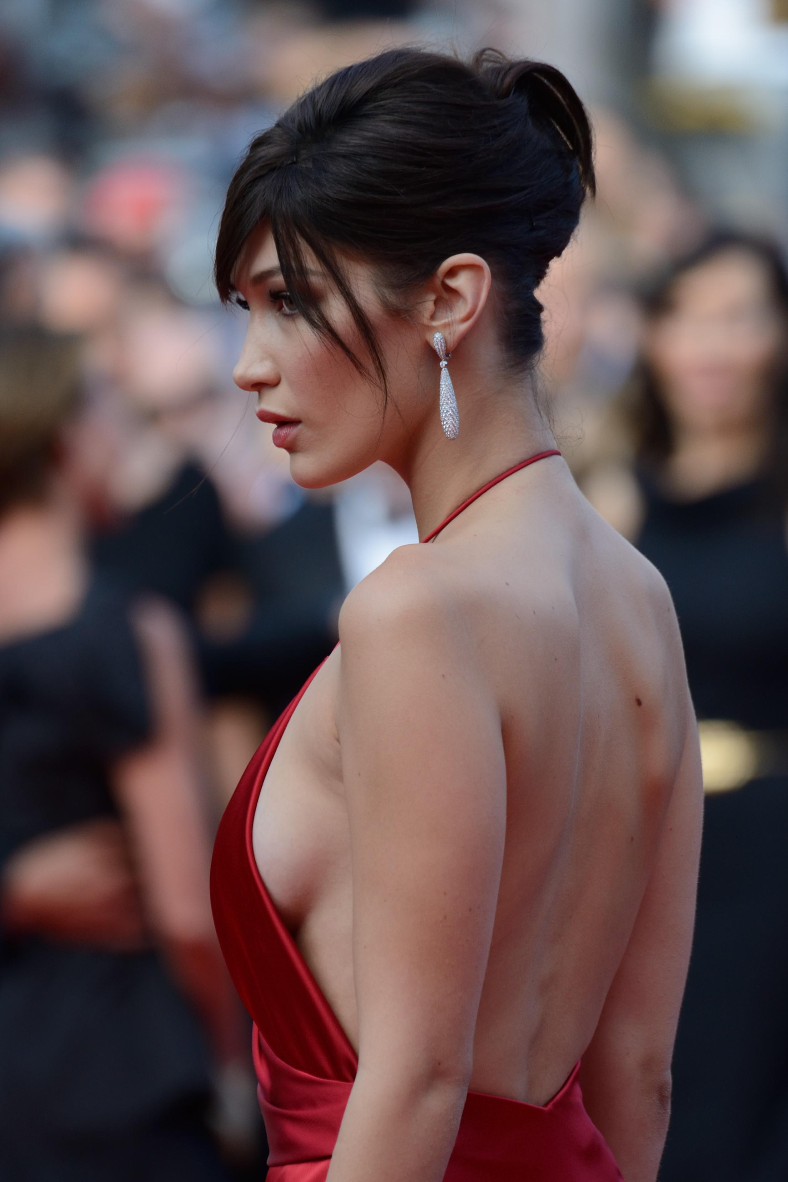 Le chignon banane de Bella Hadid au Festival de Cannes 2016 - Les plus belles coiffures des ...