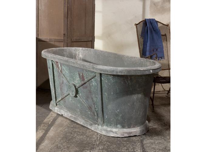 La baignoire en zinc elle d coration for Site art et decoration