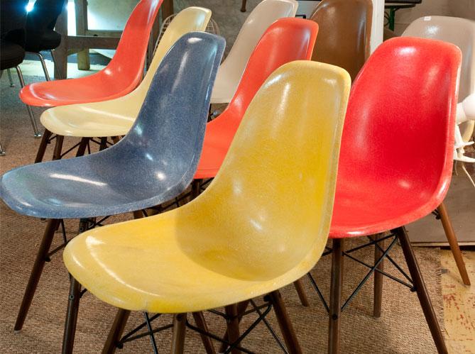 Les chaises eames elle d coration for Fauteuil eames fibre de verre