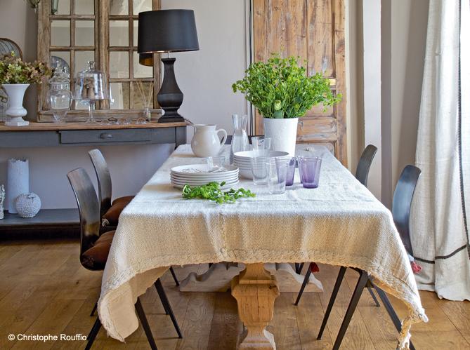 maison en normandie une d co chic et classique elle d coration. Black Bedroom Furniture Sets. Home Design Ideas