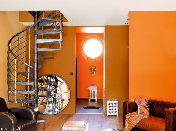 Peinture de la couleur sur les murs elle d coration - Idee deco couleur mur ...