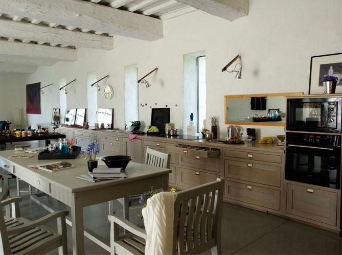 Une belle et grande cuisine pour recevoir elle d coration for Equipement de cuisine quebec