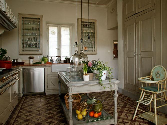 Une belle et grande cuisine pour recevoir elle d coration for Deco pour une cuisine