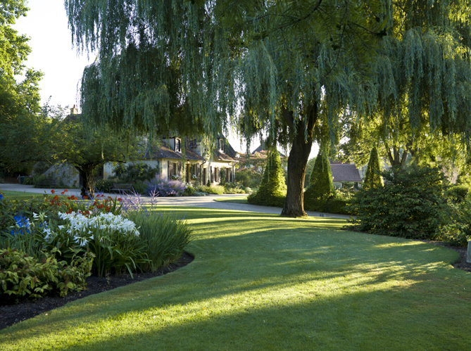 Visite du parc floral d 39 apremont sur allier elle d coration for Apremont sur allier jardin