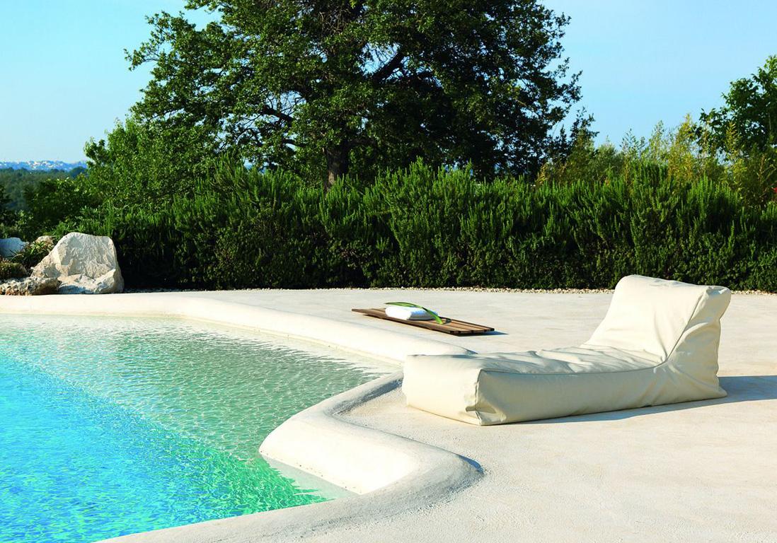 Chaise de piscine interesting chaise longue inox gris l - Chaise de piscine ...