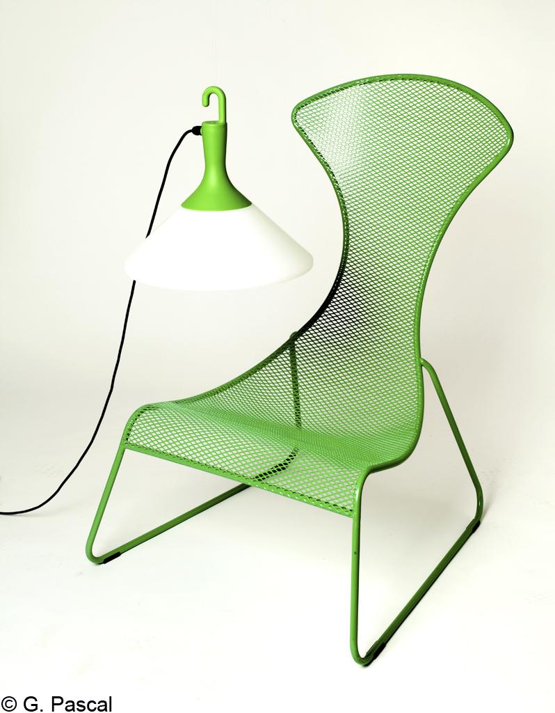 Du mobilier design dans le jardin elle d coration for Mobilier du jardin
