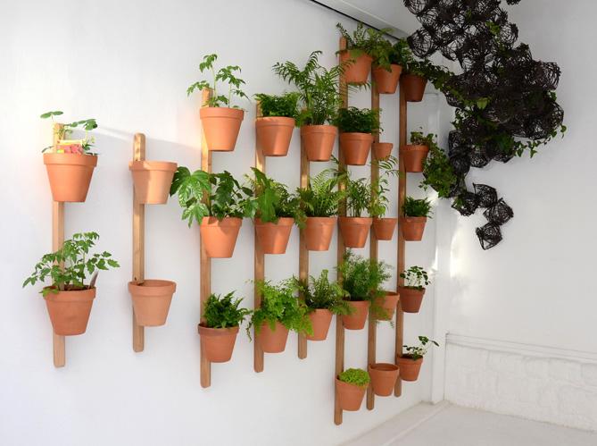 Am nagez votre balcon pour un espace fleuri et d co elle for Pot mural pour plante interieur