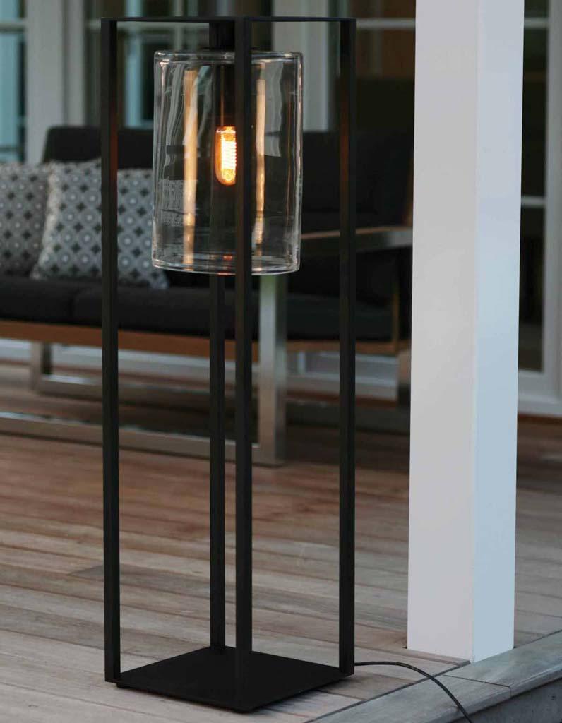 luminaire outdoor s lection des mod les du moment pour le jardin elle d coration. Black Bedroom Furniture Sets. Home Design Ideas