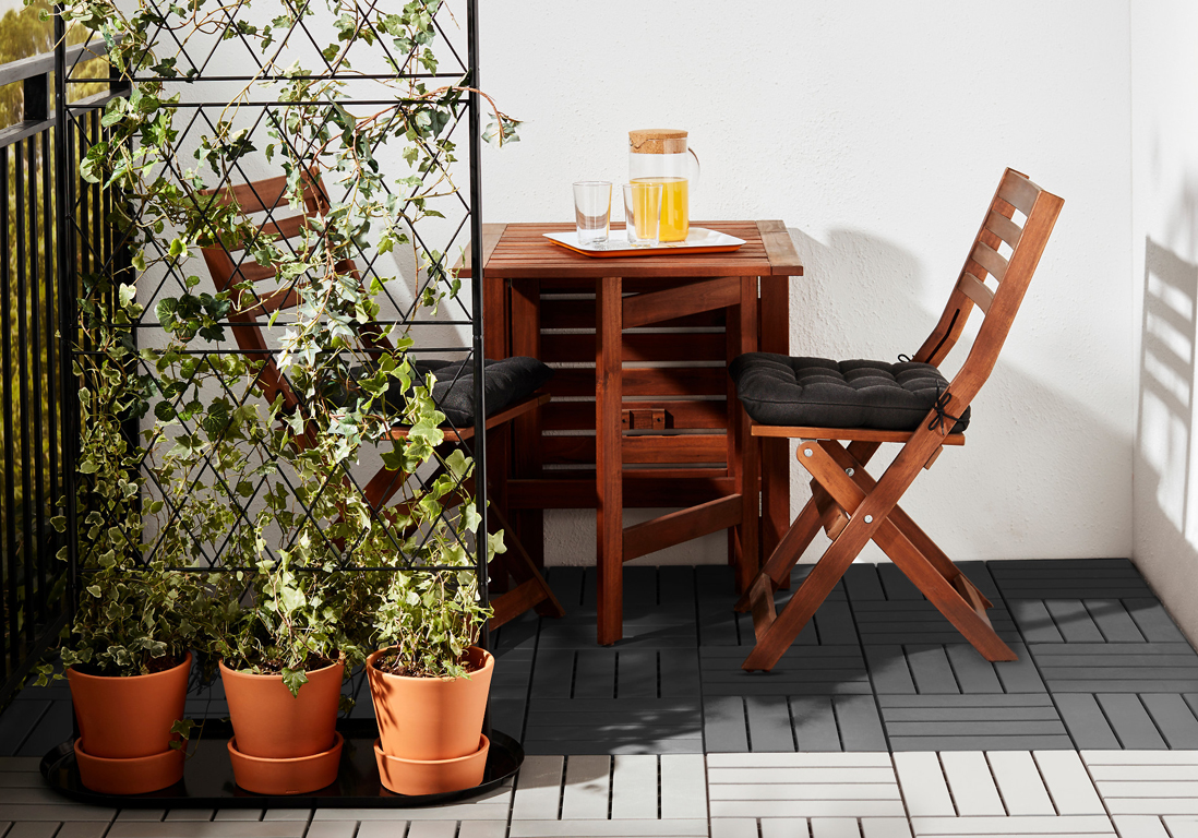 caillebotis ikea awesome chaise terrasse ikea ikea tables et chaises chaises ikea with table. Black Bedroom Furniture Sets. Home Design Ideas