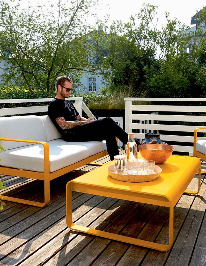 terrasses et balcons les indispensables fermob de l t prochain elle d coration. Black Bedroom Furniture Sets. Home Design Ideas