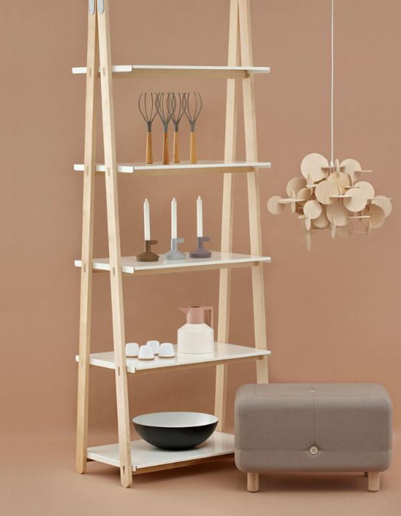 un mobile en bois un mobile suspendre pour un int rieur po tique elle d coration. Black Bedroom Furniture Sets. Home Design Ideas