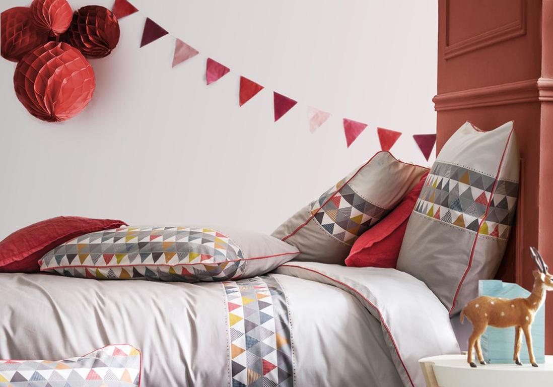 Peinture chambre enfant nos id es pleines de style elle d coration - Peindre une tete de lit ...