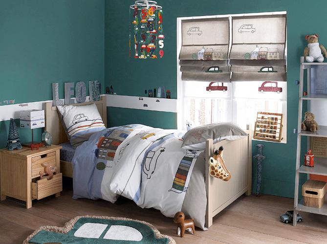 Une chambre bebe sport chambres de garon super id es d co for Store chambre bebe