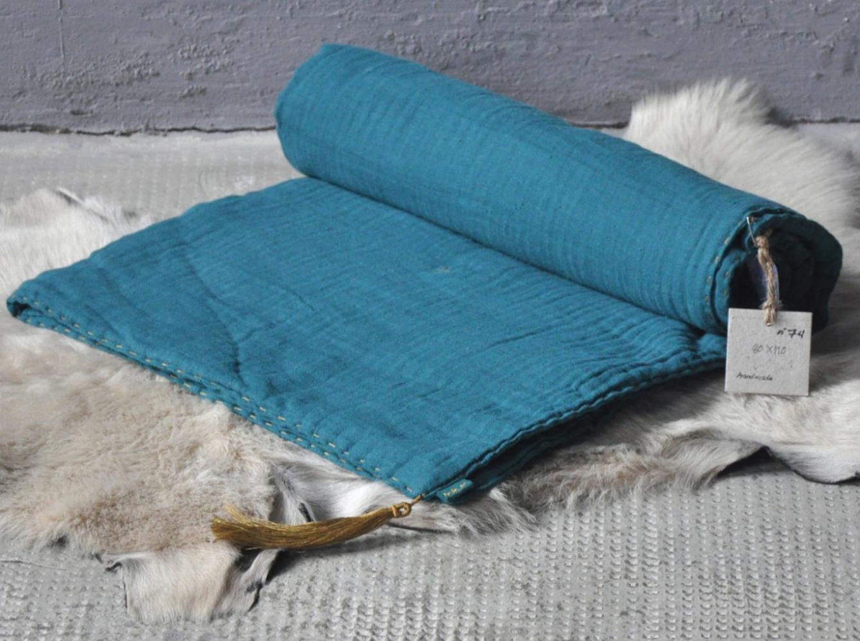 du joli linge de lit pour mon b b elle d coration. Black Bedroom Furniture Sets. Home Design Ideas