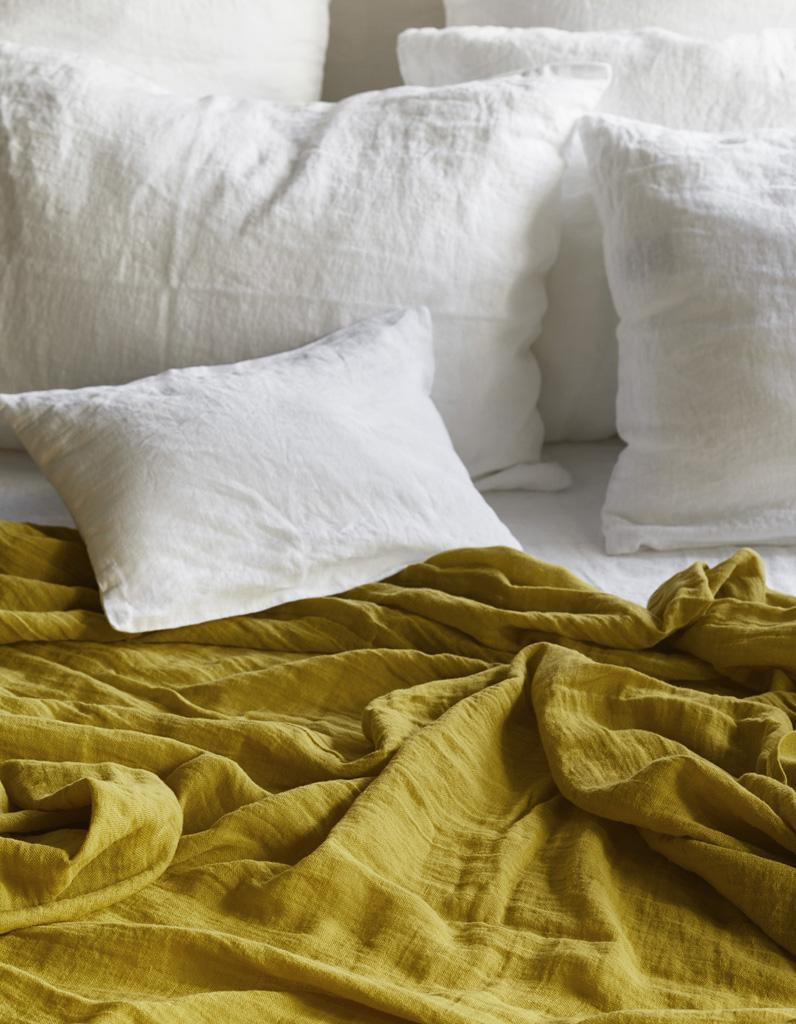 linge de lit on ne se lassera jamais du lin elle d coration. Black Bedroom Furniture Sets. Home Design Ideas