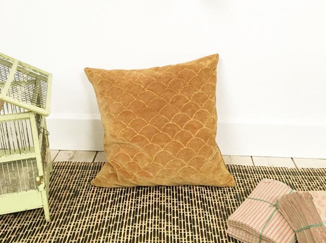 shopping 26 coups de c ur moins de 50 pour la chambre elle d coration. Black Bedroom Furniture Sets. Home Design Ideas