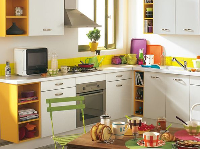 25 astuces pour apporter une touche de couleur votre for Cuisine moderne coloree