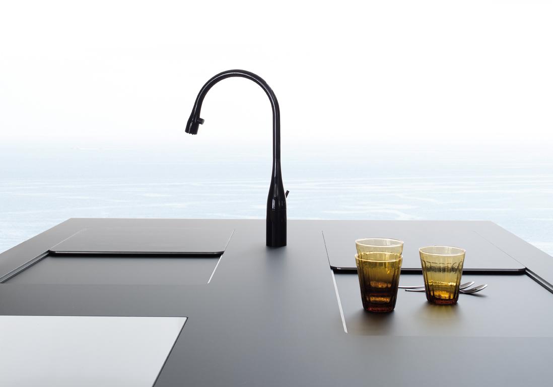 un plan de travail mat pour une cuisine sophistiqu e des plans de travail pour tous les styles. Black Bedroom Furniture Sets. Home Design Ideas