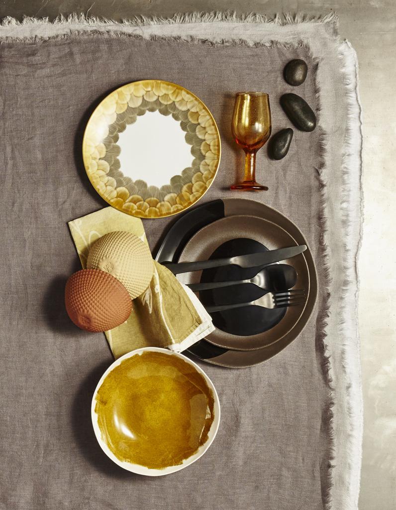 D co de table fondez pour les assiettes tableaux elle for Cuillere pour decorer les assiettes