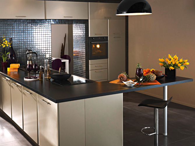 La cr me des cuisines design elle d coration for Decoration carrelage de cuisine