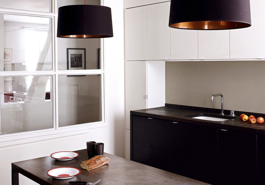la cuisine noire et blanche plus contemporaine que jamais elle d coration. Black Bedroom Furniture Sets. Home Design Ideas