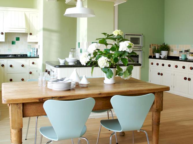 Cuisine 12 astuces pour relooker facilement vos placards - Remplacer porte cuisine ...