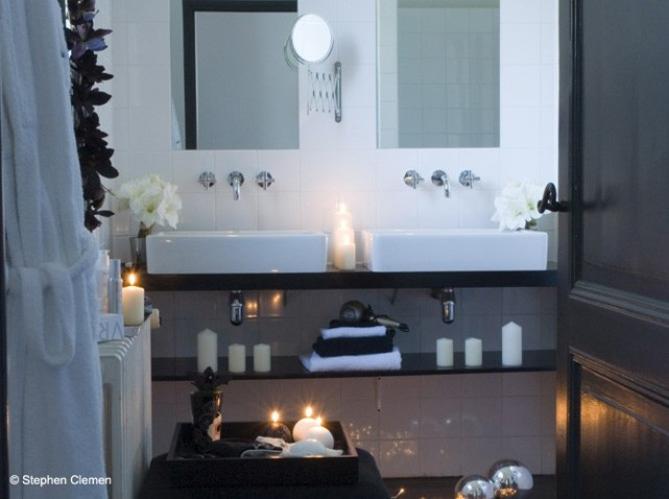 Des salles de bains sp ciales femmes elle d coration for Orchidee salle de bain sans fenetre