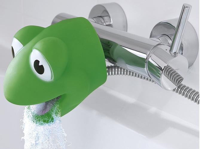 Adapter sa salle de bains aux enfants elle d coration - Protection douche pour baignoire ...